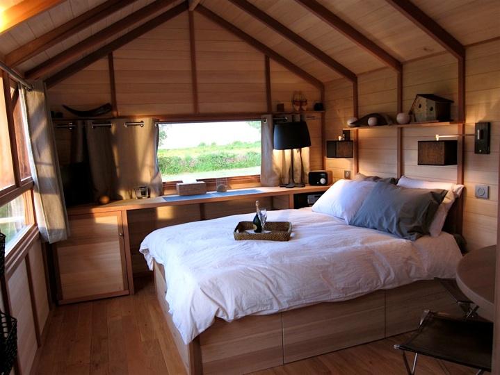 domaine des pres verts. Black Bedroom Furniture Sets. Home Design Ideas